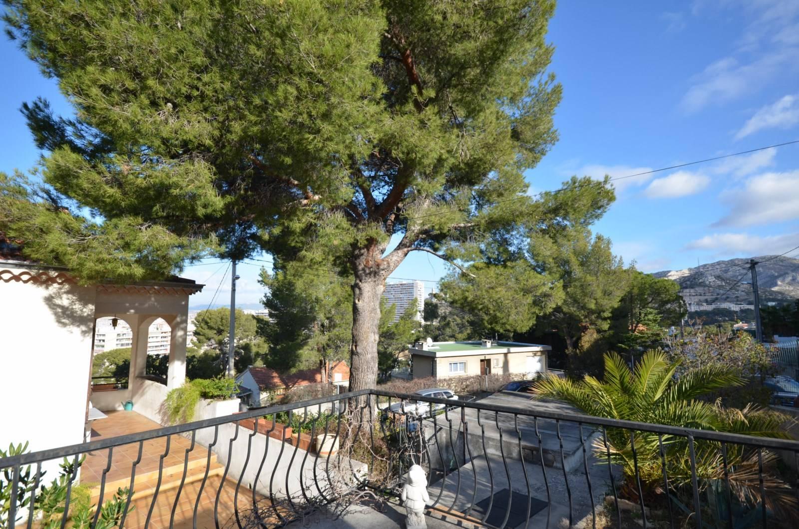 Deux grandes terrasses + Jardin