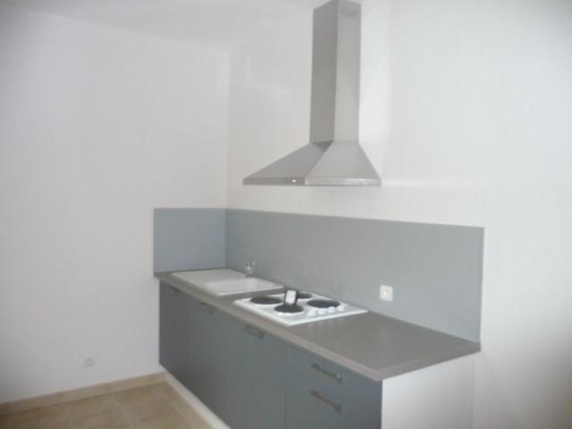 Location Appartement T2 MARSEILLE 12EME BEAUMONT A LA LOCATION - AU 1ER ET DERNIER ETAGE - RENOVE - PROX. COMMODITES - TERRASSE COUVERTE