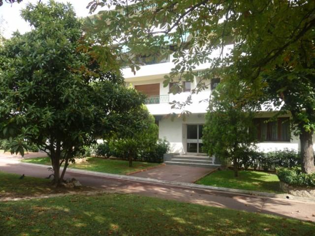 Location Appartement T4 MARSEILLE 12EME MONTOLIVET DANS RESIDENCE FERMEE ARBOREE - 2EME ETAGE SS ASC - PROX COMMODITES - BALCON - CAVE - GARAGE