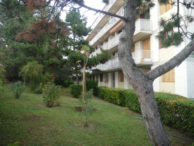 Location Appartement T2 MARSEILLE 13EME SAINT MITRE -  DANS RESIDENCE FERMEE -  RDC - CLIM - CAVE - PLACE DE PARKING PRIVEE - PROX TOUTES COMMODITES
