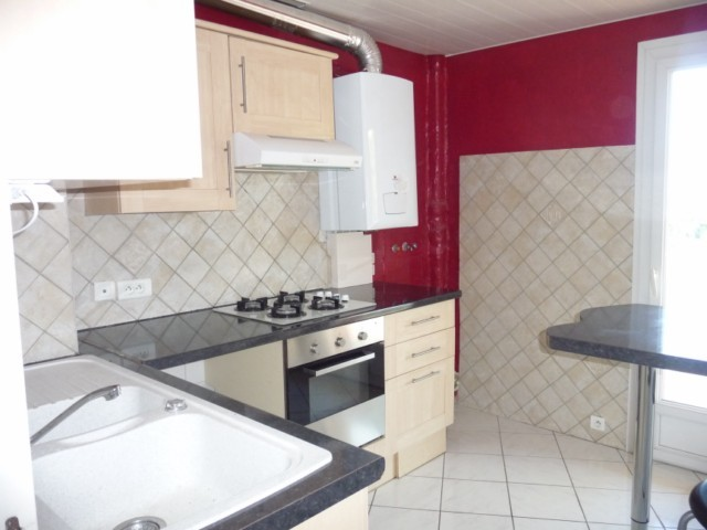 Location Appartement T3 ALLAUCH LA POUNCHE DANS PETIT IMMEUBLE - 1ER ETAGE - PROX. COMMERCES COMMODITES - CAVE