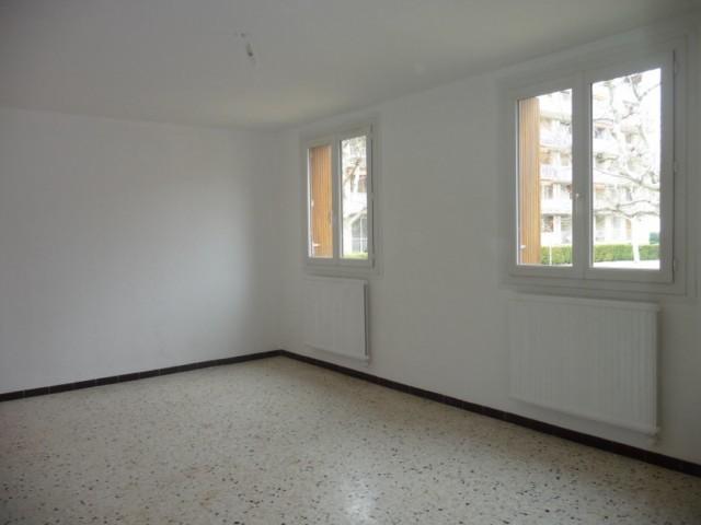 Location Appartement T2 MARSEILLE 13EME ST MITRE A LOUER -  RESIDENCE FERMEE - PROCHE TOUTES COMMODITES