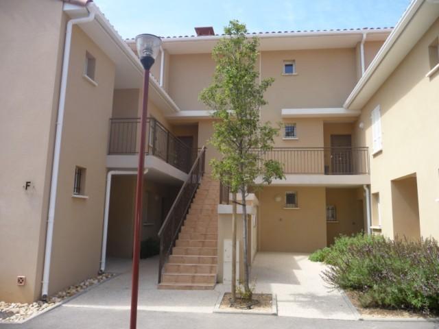 Location Appartement T4 MARSEILLE 13013 CHATEAU GOMBERT A LOUER - RESIDENCE FERMEE RECENTE AVEC PARC ET PISCINE - DUPLEX  - GRANDE TERRASSE - GARAGE - PARKING