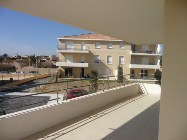 Location Appartement T3 MARSEILLE 13013 LES OLIVES A LA LOCATION - RESIDENCE FERMEE RECENTE - 1 ER ETAGE - ASCENSEUR - TERRASSE - DOUBLE GARAGE