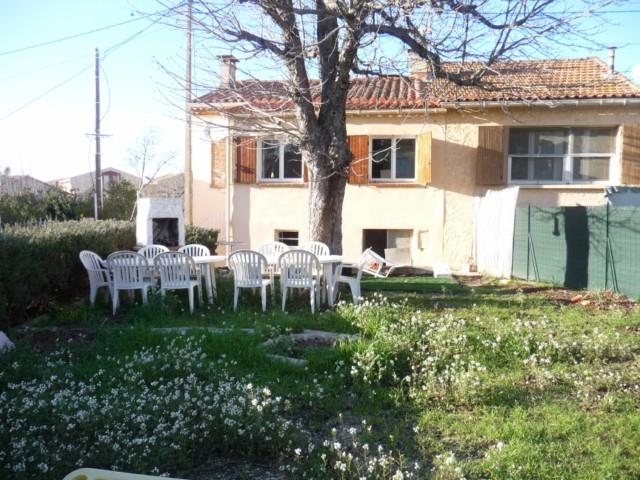 Locations maison de village t3 f3 allauch la pounche a for Maison a louer avec garage