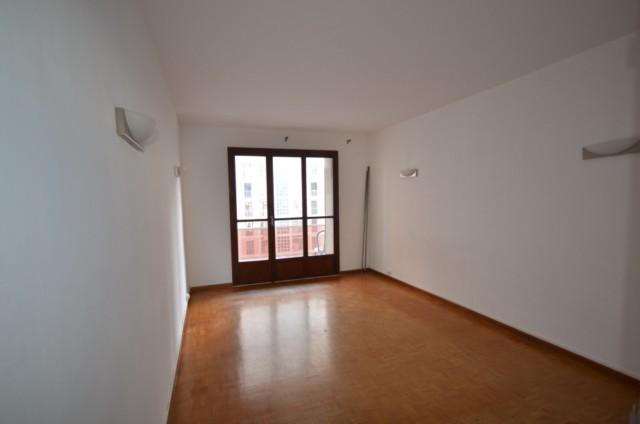 Location Appartement T2 MARSEILLE 13007 PROXIMITE LES CATALANS A LA LOCATION - PETITE RESIDENCE FERMEE - 4EME ETAGE - ASCENSEUR - BALCON - LOGGIA - CAVE