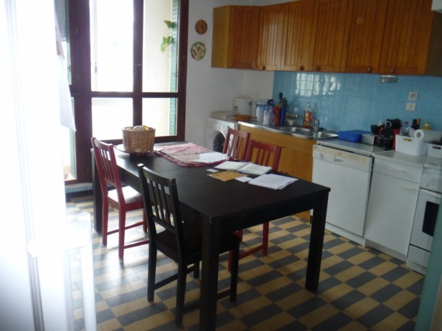 Location Appartement T4 ALLAUCH 13190  LIMITE MARSEILLE 13EME LA CROIX ROUGE A LA LOCATION - RESIDENCE FERMEE - 4EME ET DERNIER ETAGE - VUE DEGAGEE - BALCON - LOGGIA