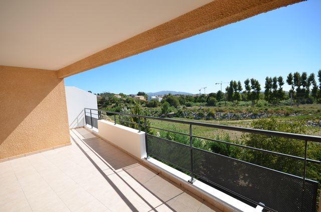Location Appartement T4 MARSEILLE 13013 CHATEAU GOMBERT A LA LOCATION - RESIDENCE FERMEE RECENTE - 2EME ET DERNIER ETAGE - ASCENSEUR - TERRASSE 20m² - BOX EN SOUS SOL - PARKING