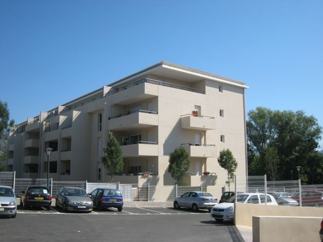 Location Appartement T3 MARSEILLE 13EME TECHNOPOLE CHATEAU GOMBERT  - A LOUER - RESIDENCE FERMEE RECENTE - 3EME ETAGE - ASCENSEUR - TERRASSE - PARKING - GARAGE DOUBLE