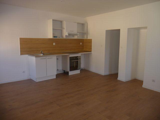 Location Appartement T2 MARSEILLE 13EME CHATEAU GOMBERT A LOUER - AU COEUR DU VILLAGE - ENTIEREMENT REFAIT A NEUF - PROXIMITE TOUTES COMMODITES