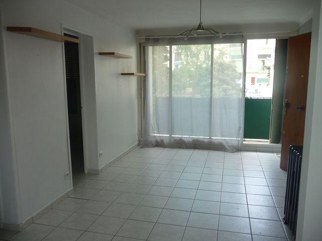 Location Appartement T3 MARSEILLE 13EME ST JUST A LOUER -  RESIDENCE FERMEE - 1ER ETAGE - BALCON - CAVE - PROXIMITE TOUTES COMMODITES - METRO