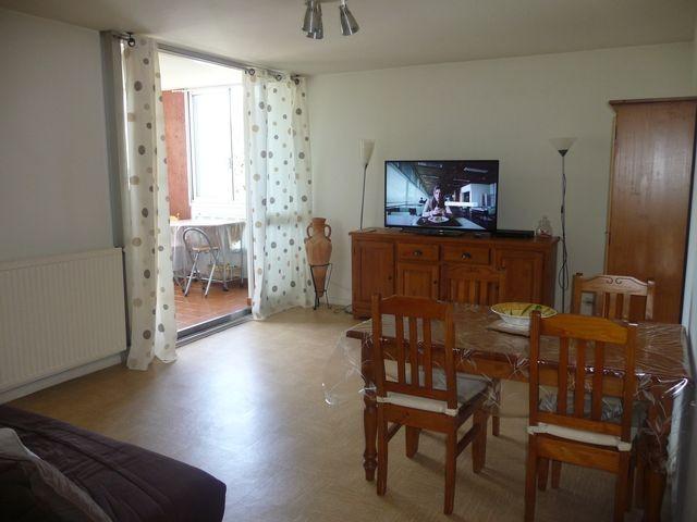 Location Appartement T4 PLAN DE CUQUES AU COEUR DU VILLAGE - 2EME ETAGE - ASCENSEUR - LOGGIA - PROXIMITE COMMODITES