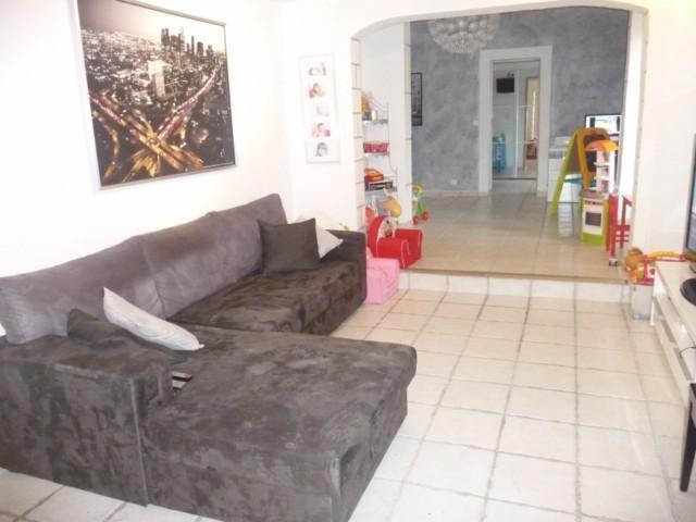 Vente Appartement T4 PLAN DE CUQUES DANS COPROPRIETE DE 2 LOTS - REZ DE CHAUSSEE DE VILLA - PISCINE - PARKINGS - PROXIMITE COMMODITES