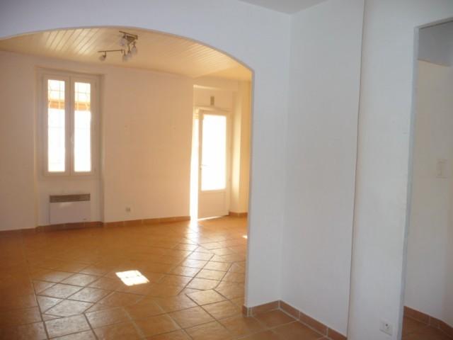 Vente Appartement T3 MARSEILLE 13013 CHATEAU GOMBERT A L'ACHAT - DANS MAISON DE VILLAGE  -  PROXIMITE ECOLES BUS COMMERCES