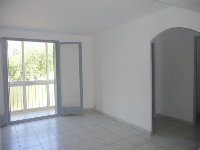 Vente Appartement T3 MARSEILLE 13EME SAINT JEROME DANS RESIDENCE CALME ET ARBOREE - ENTIEREMENT RENOVE - PROX. BUS ET COMMERCES