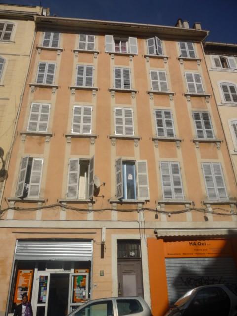 Vente Appartement T1/2 MARSEILLE 1ER CENTRE VILLE DANS IMMEUBLE MARSEILLAIS - TRAVAUX A PREVOIR