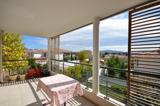Ventes appartement t4 f4 marseille 13013 st mitre a la for Residence avec piscine marseille