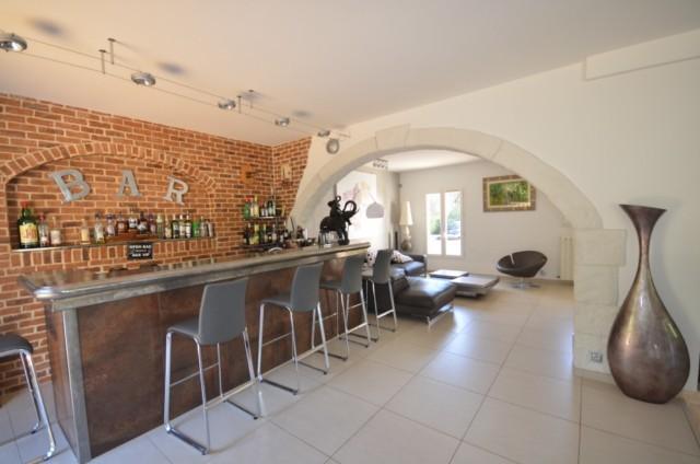 Ventes maison de maitre t6 f6 marseille 13013 chateau for Vente decoration interieur