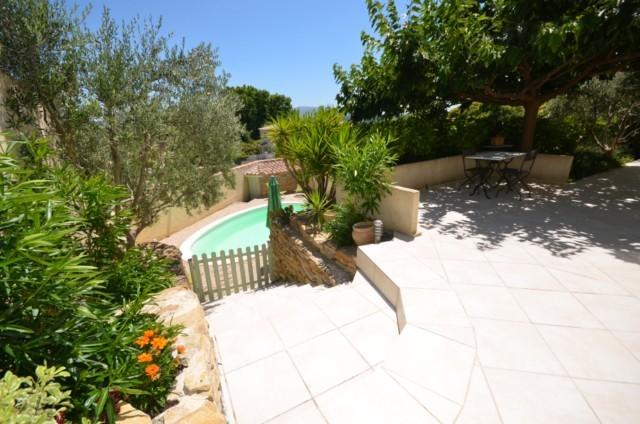 Transactions villa t5 f5 marseille 13eme chateau gombert for Piscine 13eme