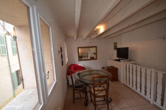 Vente maison de village T4 ALLAUCH VILLAGE TRES ATYPIQUE - SUR 3 NIVEAUX - TERRASSE - AU CALME