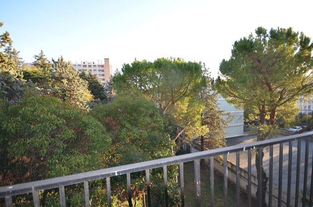 Vente Appartement T3 MARSEILLE 13EME SAINT JEROME LE VAL D'AZUR A LA VENTE - RESIDENCE FERMEE AVEC TENNIS PISCINE ET GARDIEN - 3EME ETAGE - CAVE - PARKING