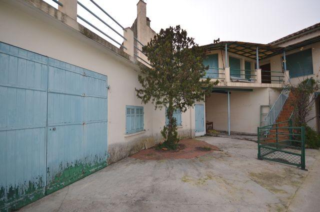 Vente DANS MAISON DE VILLAGE T3 PLAN DE CUQUES CENTRE VILLE A LA VENTE - TERRASSE 40m² - COUR/JARDIN PRIVATIF - GARAGE 40m² - POSSIBILITE EXTENSION