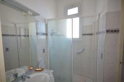 Salle d'eau + wc séparé maison n° 1
