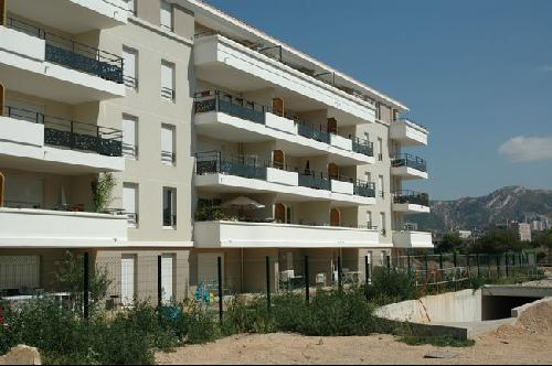 Location T2 MARSEILLE 12EME LES CAILLOLS DANS RESIDENCE FERMEE RECENTE APPARTEMENT TYPE 2 TERRASSE PARKING PRIVE PROX COMMODITES