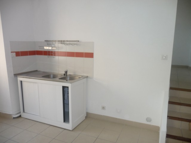 Location Appartement T1/2 ALLAUCH VILLAGE APPARTEMENT T1/2 REFAIT A NEUF PROXIMITE COMMODITES