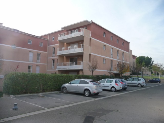 Location Appartement T2 MARSEILLE 13EME CHATEAU GOMBERT TECHNOPOLE DANS RESIDENCE FERMEE AVEC PISCINE - TERRASSE - 2 PARKINGS - CCIG