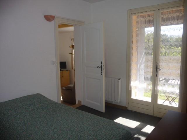 Location Appartement T2 MARSEILLE 13EME LA ROSE AU REZ DE CHAUSSEE D'UNE MAISON UN APPARTEMENT T2 MEUBLE AVEC TERRASSE - PROXIMITE COMMODITES