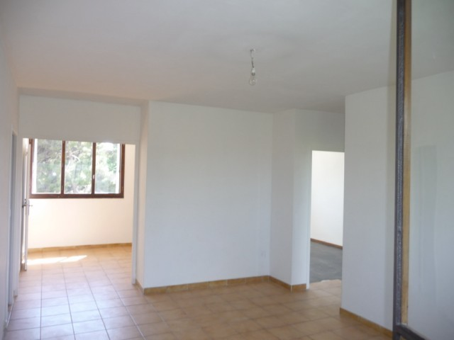 Location Appartement T3 MARSEILLE 13EME LA ROSE DANS PETIT IMMEUBLE - 2EME ETAGE SS ASC -  PROXIMITE METRO ET COMMERCES
