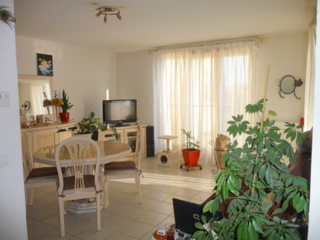 Location Appartement T3 MARSEILLE 13EME TECHNOPOLE CHATEAU GOMBERT DANS RESIDENCE FERMEE - 1ER ETAGE - ASC - TERRASSE - BOX - PARKING