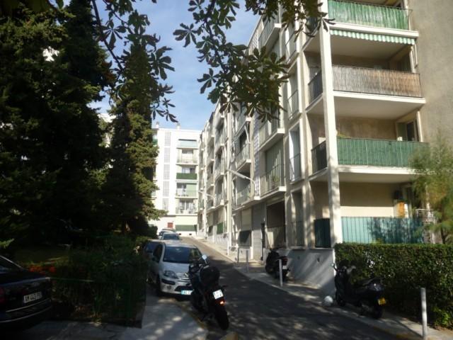 Location Appartement T3 MARSEILLE 13EME ST JUST DANS RESIDENCE FERMEE ARBORE - 2EME ETAGE - BALCON - CAVE - FACILITE STATIONNEMENT - PROX. METRO COMMERCES