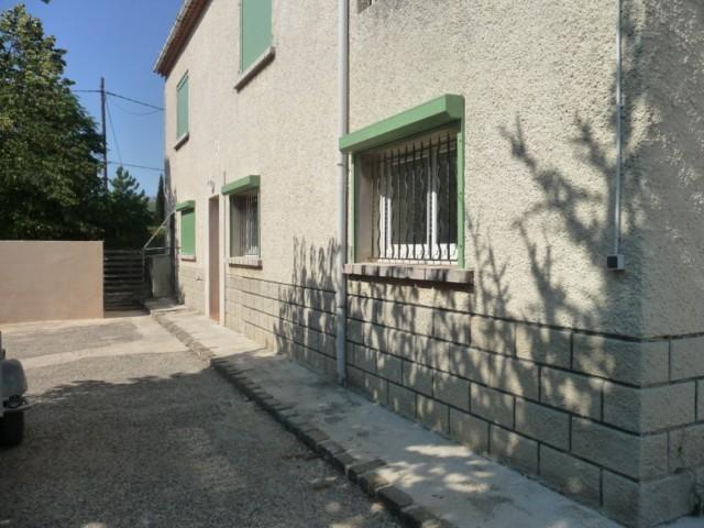 Location VILLA T3 ALLAUCH A LA LOCATION - REZ DE CHAUSSEE DE VILLA - 500m² DE TERRAIN - GARAGE 25m²