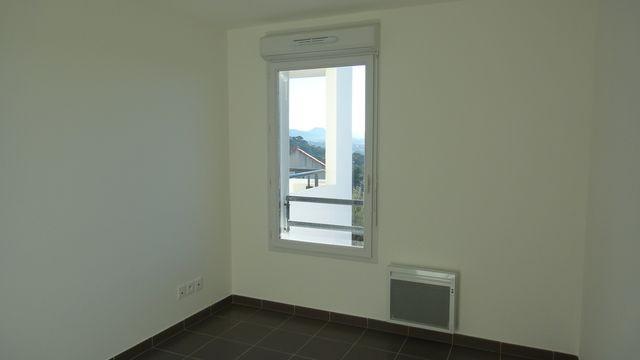 Location Appartement T3 MARSEILLE 13EME SUR LES HAUTEURS DE ST MITRE - A LA LOCATION - RESIDENCE FERMEE RECENTE - RDC/1ER - TERRASSE - GARAGE DOUBLE - CAVE