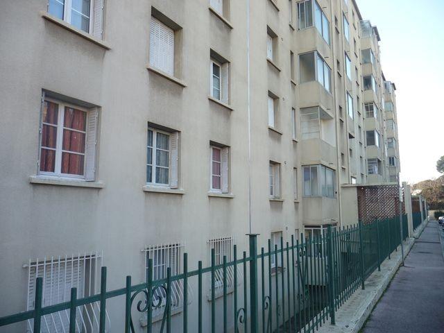Location Appartement T4 MARSEILLE 13EME ST JEROME A 500 METRES ECOLE SEVIGNE - FACE HOPITAL LAVERAN - 1ER ETAGE - ASCENSEUR - LOGGIA