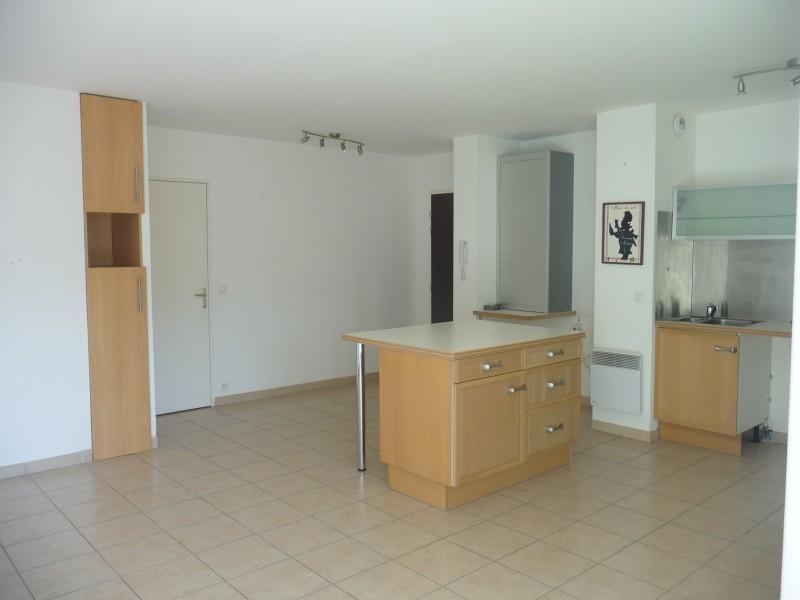 Location Appartement T3 MARSEILLE 13EME TECHNOPOLE CHATEAU GOMBERT A LOUER - RESIDENCE FERMEE RECENTE - 1ER ETAGE - ASCENSEUR - TERRASSE - GARAGE DOUBLE