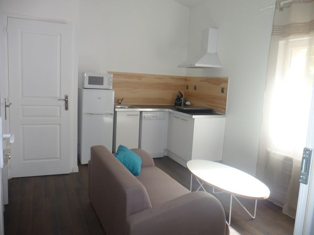 Location Appartement MARSEILLE 13EME CHATEAU GOMBERT A LOUER - AU COEUR DU VILLAGE - STUDIO MEUBLE 18m² + MEZZANINE 2 PLACES - ENTIEREMENT REFAIT A NEUF