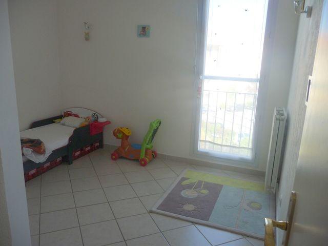 Location Appartement T3 MARSEILLE 13EME TECHNOPOLE CHATEAU GOMBERT A LOUER - RESIDENCE FERMEE RECENTE - 3EME ET DERNIER ETAGE - ASC - TERRASSE SANS VIS A VIS - GARAGE - PARKING