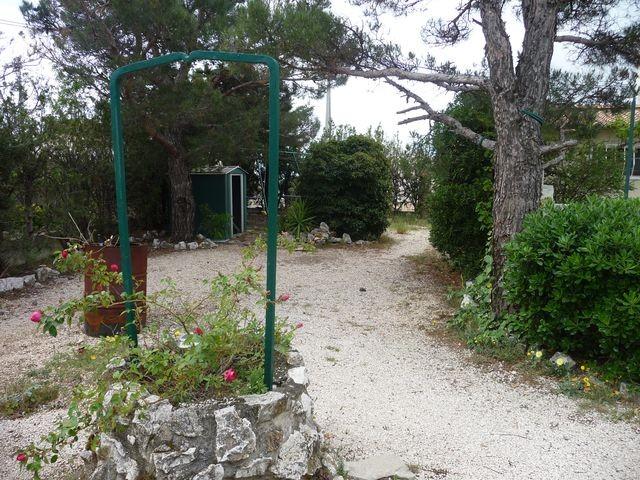 Location VILLA T4 MARSEILLE 13EME SUR LES HAUTEURS DE ST MITRE - LA BATARELLE HAUTE A LOUER - AU CALME - 214m² DE TERRAIN - GARAGE