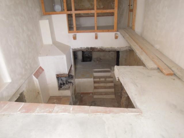 Vente maison de village T6 AIGUINES 83 MAISON DE VILLAGE A RESTAURER AVEC VUE SUR LE LAC DE STE CROIX ET LE CHATEAU