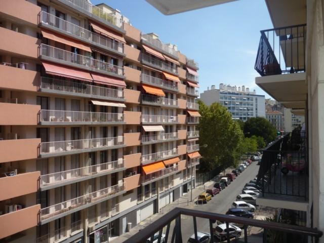 Vente Appartement T4 MARSEILLE 3EME DESIRE CLARY EUROMEDITERANNEE  4EME ETAGE ASCENSEUR 3 BALCONS TRIPLE EXPOSITION CAVE