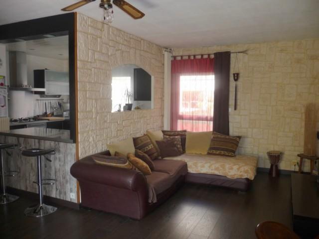 Vente Appartement T3 PLAN DE CUQUES PROCHES DES COMMODITES ET COMMERCES - AU CALME - ENTIEREMENT RENOVE