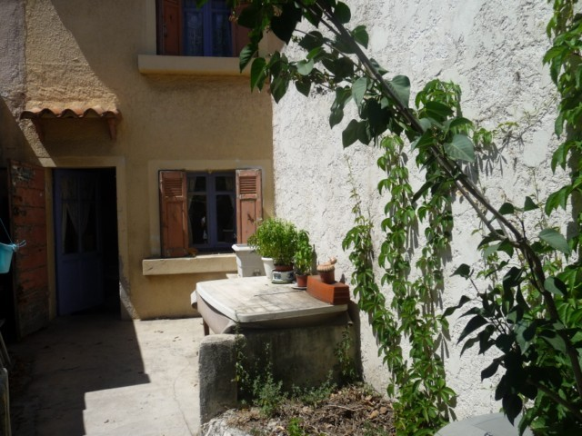 Vente maison de village T3 PLAN DE CUQUES AU COEUR DU VILLAGE - PETIT JARDIN - PROXIMITE COMMERCES ET BUS