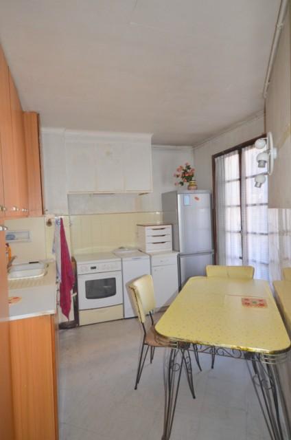 Vente Appartement T3 MARSEILLE 6EME AVENUE CANTINI BEAUX VOLUMES - LUMINEUX - 6EME ETAGE - ASC - 2 BALCONS - CAVE - PROXIMITE TOUTES COMMODITES