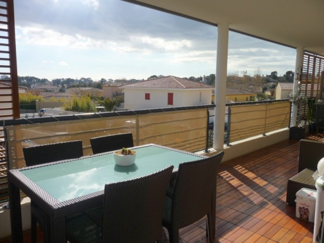 Ventes appartement t3 f3 marseille 13eme chateau gombert for Residence avec piscine marseille