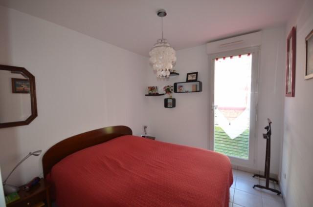 Vente Appartement T4 MARSEILLE 13013 ST MITRE A LA VENTE - RESIDENCE FERMEE STANDING AVEC PISCINE - 1ER ETAGE - ASC - TERRASSE - PLACE DE PARKING - GARAGE