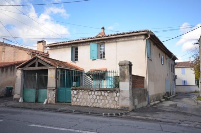 Vente maison de village T4 MARSEILLE 13013 CHATEAU GOMBERT A LA VENTE - PROXIMITE TOUTES COMMODITES - GARAGE - TRAVAUX A PREVOIR