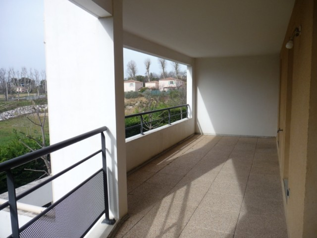 Vente Appartement T2 MARSEILLE 13013 CHATEAU GOMBERT A LA VENTE - RESIDENCE FERMEE RECENTE - 1ER ETAGE - ASCENSEUR - TERRASSE - GARAGE - PARKING